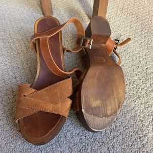 Italian leather wooden heels
